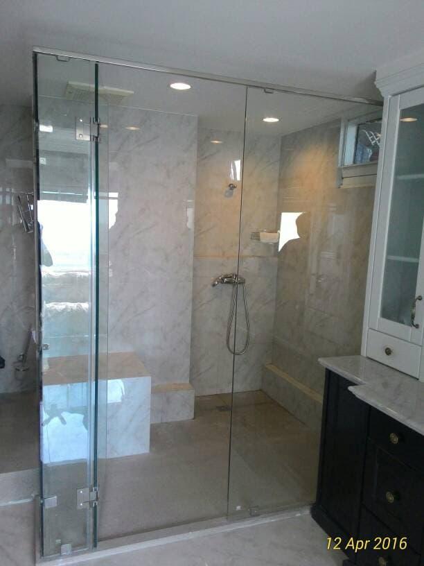 Hasil gambar untuk kaca shower kamar mandi