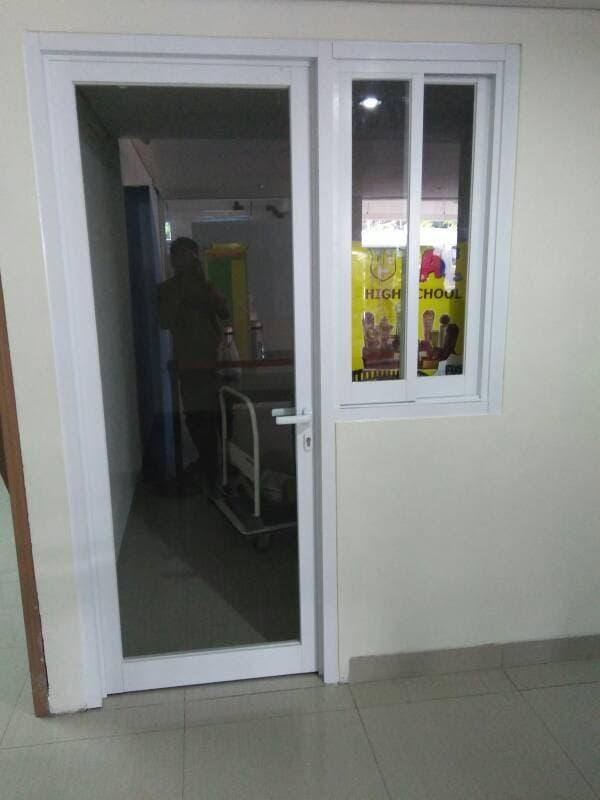 Hasil gambar untuk pintu swing